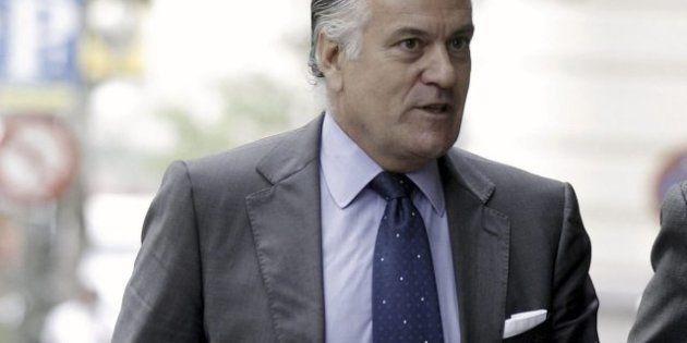 Luis Bárcenas pagó durante años sobresueldos en dinero negro a parte de la cúpula del PP, según 'El Mundo'