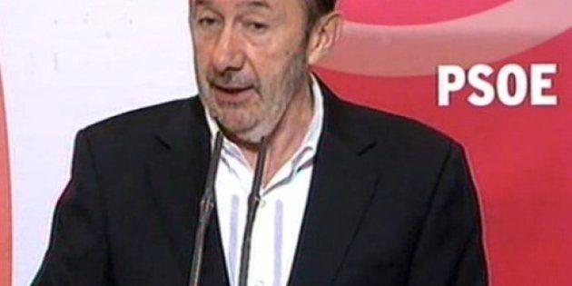 Rubalcaba anuncia que el PSOE pedirá investigaciones parlamentaria y judicial sobre el 'caso