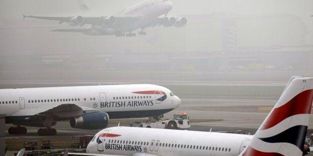 La caída del sistema informático de British Airways provoca retrasos a nivel