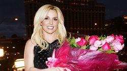 A Britney le falló su vestido en plena actuación y...