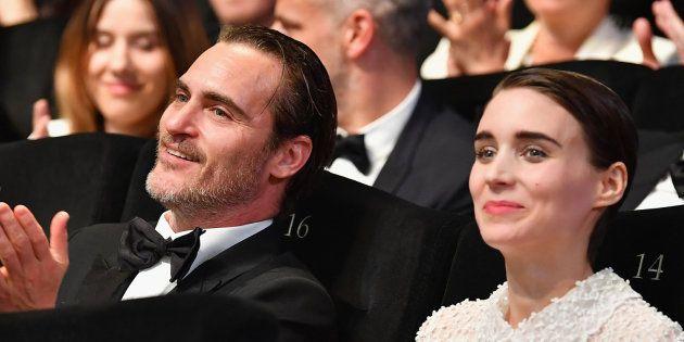 Joaquin Phoenix y Rooney Mara en la ceremonia de clausura del Festival de Cine de