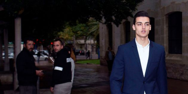 El youtuber Sergio Soler, conocido como 'Mr. Granbomba', a su llegada a los juzgados para la vista del...