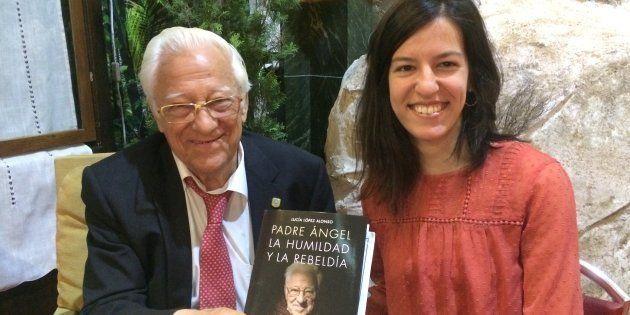 El padre Ángel junto a Lucía López, antes de la
