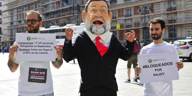 Un cabezudo de Rajoy recorrerá España para meterse en la piel de