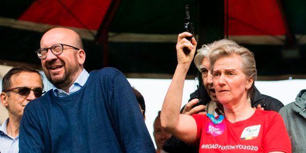 El primer ministro belga, sordo de un oído por el pistoletazo de salida de una