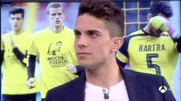 Jugadores del Borussia Dortmund con las camisetas de Marc