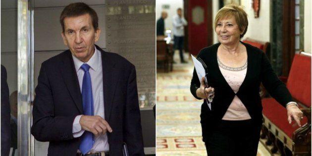 Manuel Moix y Celia Villalobos, en sendas fotos de