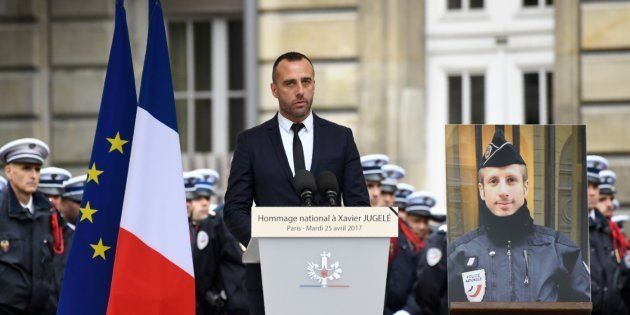 Étienne Cardiles, durante el discurso de homenaje a su esposo, Xavier