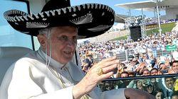 Lombardi reconoce que el papa se golpeó la cabeza con el lavabo durante su viaje a