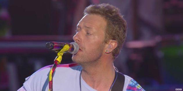 Coldplay homenajea a las víctimas de Manchester con 'Don't Look Back In