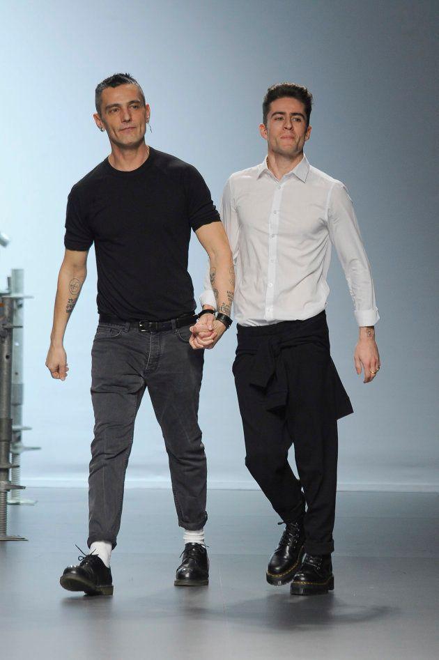 El diseñador David Delfin y Pelayo Diaz, durante la Pasarela Cibeles - Mercedes-Benz Fashion Week Madrid