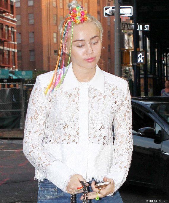 Miley Cyrus y sus locuras: el nuevo moño de cuentas de colores de la cantante