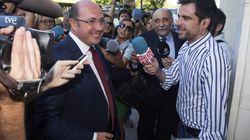 Pedro Antonio Sánchez insiste en que no contrató con la Púnica aunque se reunió con