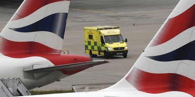 Varios aviones de British Airways permanecen estacionados en el aeropuerto de Heathrow, en