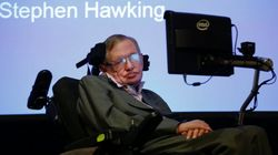 Esto es lo que Hawking cree que todo el mundo debería hacer este jueves en las elecciones
