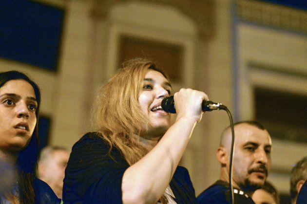 Nawal Benaissa dirigente del movimiento Al-Hirak, en una de las protestas nocturnas de la pasada semana...