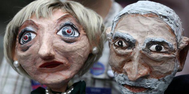 Marionetas de la líder conservadora, Theresa May, y el laborista Jeremy