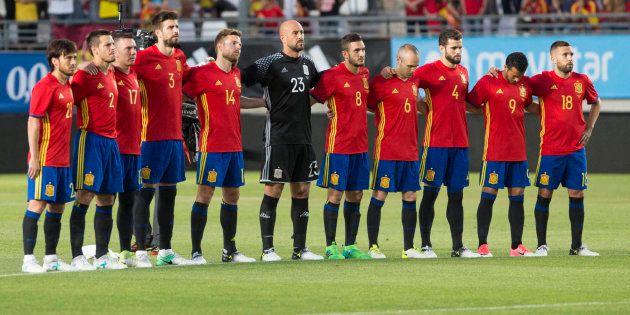 España y Colombia guardan un minuto de silencio por Ignacio