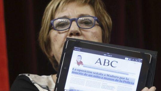 Así presume Villalobos de usar su iPad para leer la