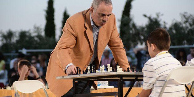 Kasparov triunfa en Twitter tras publicar esta foto en el