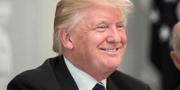 Trump acusa a Comey de