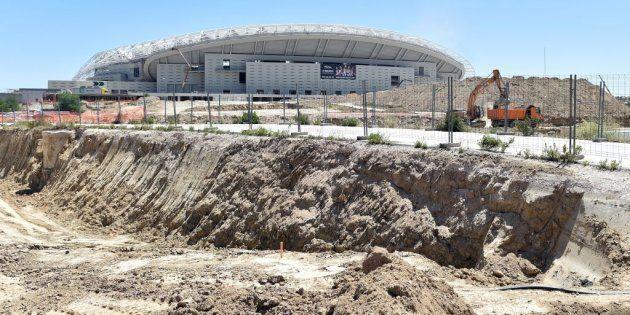 Hallan un obús de la Guerra Civil en el nuevo estadio del Atlético de