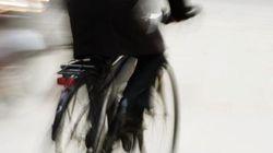 Ciclistas, contra la obligación de llevar casco en las