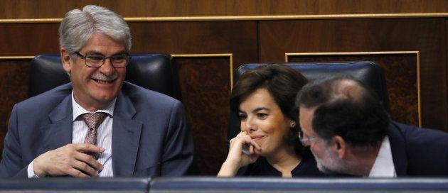 Rajoy, Sáenz de Santamaría y el ministro de Exteriores, Alfonso