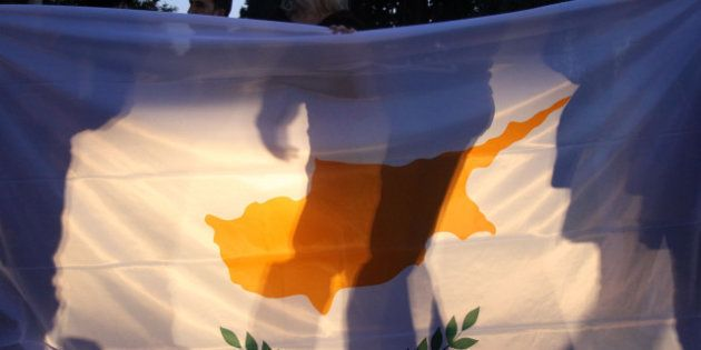 La UE acuerda el rescate de Chipre por 10.000 millones de euros