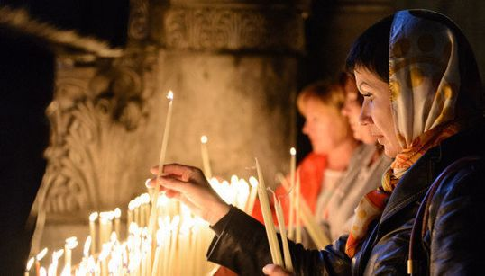8 formas de celebrar la Pascua alrededor del mundo