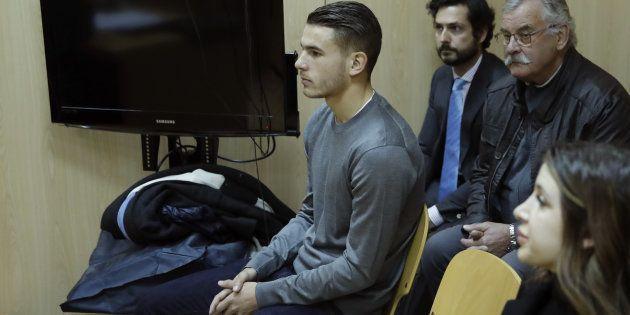 Lucas Hernández y su pareja, en el juicio por malos tratos celebrado tras la