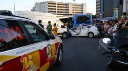 Un accidente múltiple con 13 turismos y dos autobuses de la EMT en Plaza Castilla deja 14