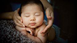 Las emocionantes fotos de una niña que ayuda en el nacimiento de su