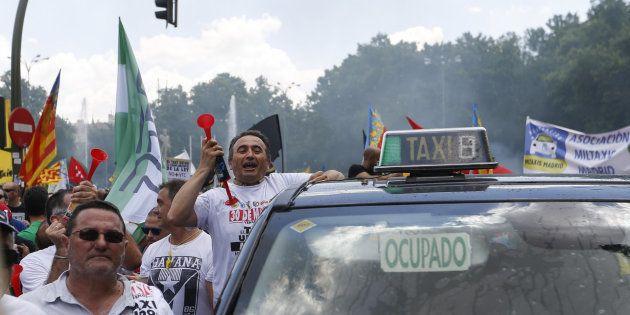El juez desestima la demanda de los taxistas españoles contra