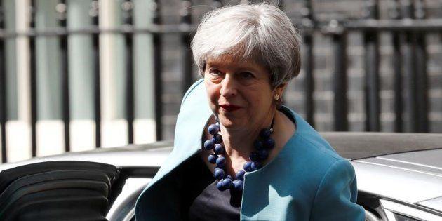 Theresa May, llegando a Downing Street en la mañana de ayer,