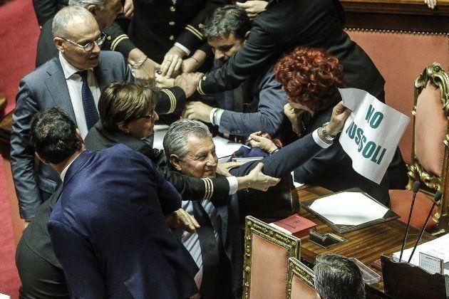 Los xenófobos de la Liga Norte la lían en el Senado italiano por una ley sobre