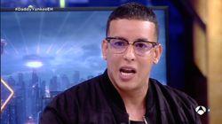 Los accesorios de Daddy Yankee que no pasan desapercibidos en