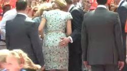 Un alcalde holandés le hace ESTO a la reina Máxima en un acto público
