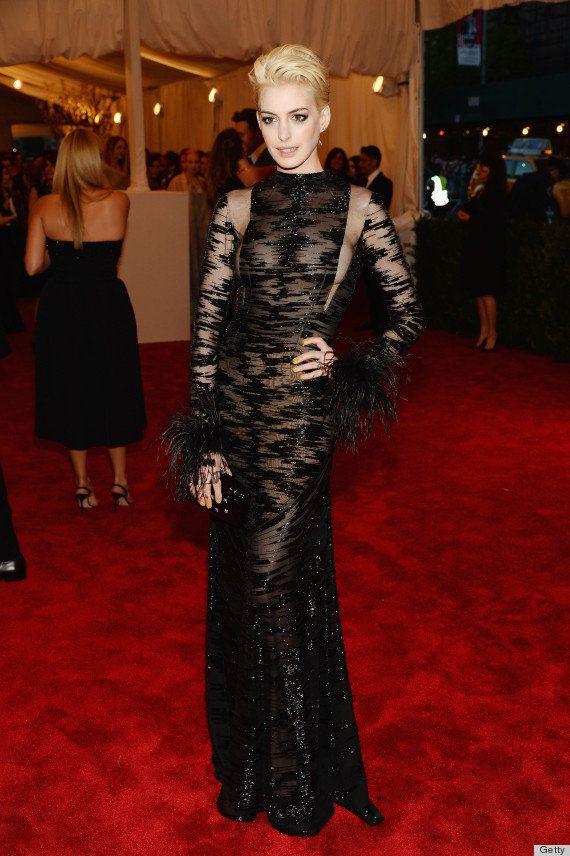 Anne Hathaway ¡rubia!