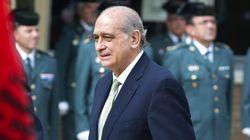 Indignación con Fernández Díaz por comparar el aborto con