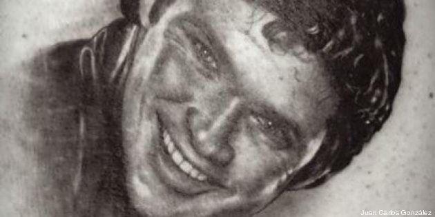 Se tatúa a David Hasselhoff en el culo por una apuesta
