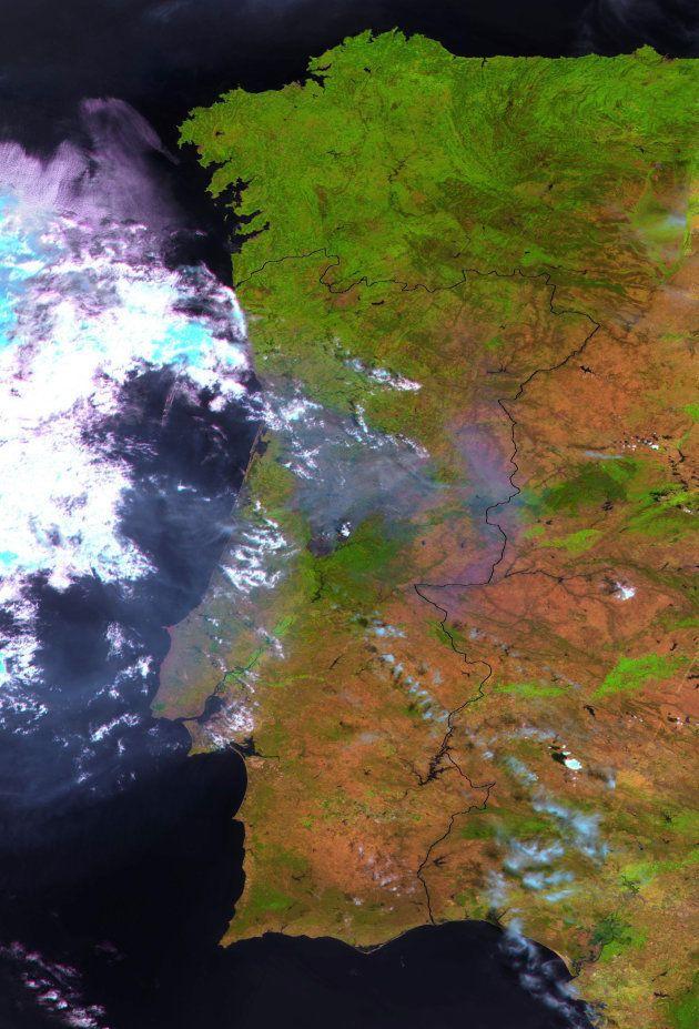 Portugal y el incendio de Pedrograo Grande vistos desde el espacio el 18 de