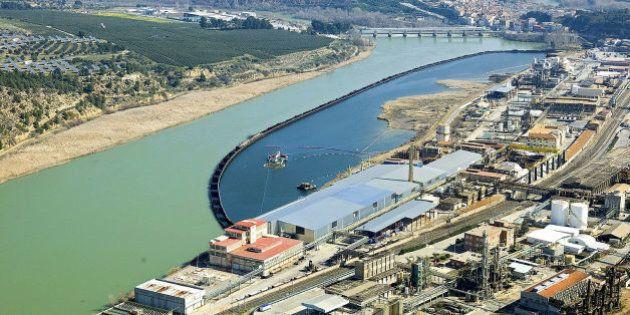 El Ebro 'supura' tóxicos para limpiar una herida