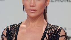 Jennifer Lopez, acusada de haber retocado una foto de sus