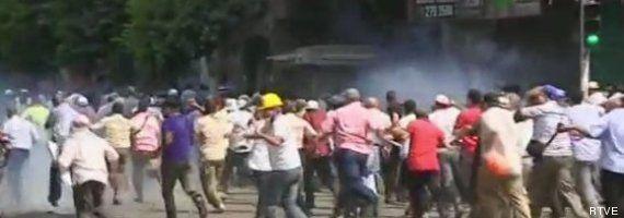 Desalojo de acampadas de proMorsi en El Cairo: decenas de muertos y Estado de