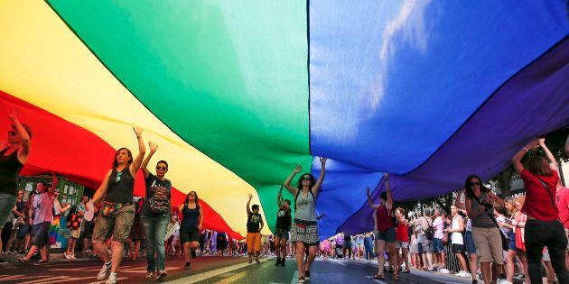 Manifestación del Orgullo lésbico, gay, trans y bisexual en