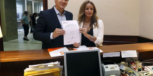 PP, PSOE y Unidos Podemos rechazan la ley de gestación subrogada de