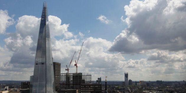 Las constructoras británicas pagan hasta 1.200 euros a la semana a albañiles