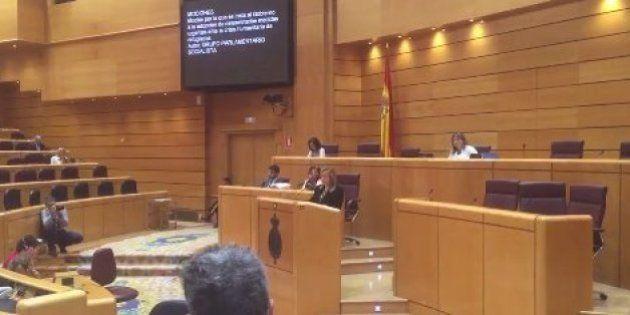 Una senadora se arranca con una canción en euskera en el último