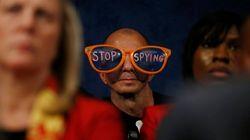 Gafas de colores contra el espionaje y otras protestas llamativas